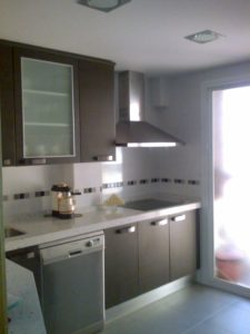 Oferta piso entero reformas el baul for Cocina 3x3 metros